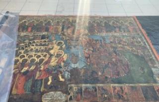 Kilisede kazı yaparak tarihi tabloyu çalan şüpheliler...