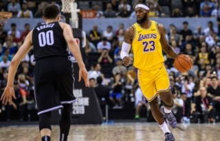 Lakers, LeBron James'in 'triple-double'...