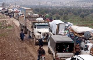 Son 48 saatte 36 bin sivil daha Türkiye sınırı...