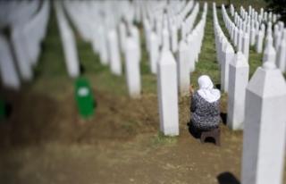 Srebrenitsalı anneler Hollanda mahkemesinin kararını...