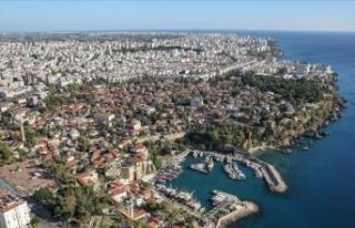 Antalya'da yaşayan yabancı sayısı 94 bine...