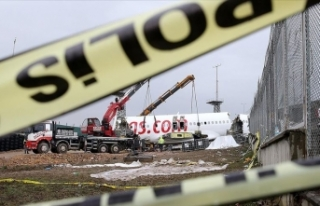 Bakan Turhan: Sabiha Gökçen'deki uçak kazasına...