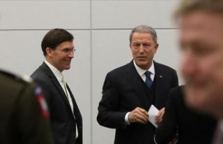 Milli Savunma Bakanı Akar NATO Karargahı'nda...