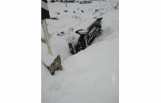 Öğrenci servisi şarampole devrildi: 15 yaralı
