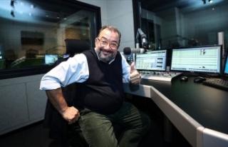 Radyocu Çöpdemir: Gençler, sosyal medya gibi radyoda...