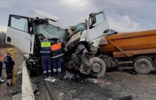 Şile'de hafriyat kamyonu ile tanker çarpıştı:...