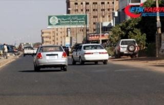 Sudan'da yakıt satışında 'karne'...