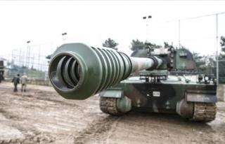 Suriye sınırına fırtına obüsü ve zırhlı araç...