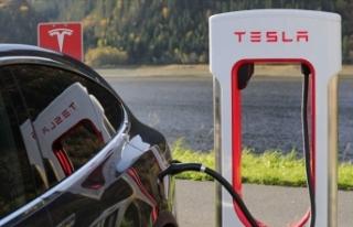 Tesla, Almanya'da kuracağı fabrika için 92...