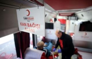 Türk Kızılay azalan kan stoklarına karşı çağrı...