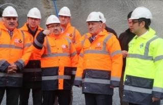 Ulaştırma ve Altyapı Bakanı Turhan: Zigana Tüneli'nde...