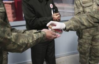 Askeri birliklerde sıkı koronavirüs tedbirleri...