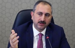 Adalet Bakanı Gül'den büyüklere saygı mesajı:...