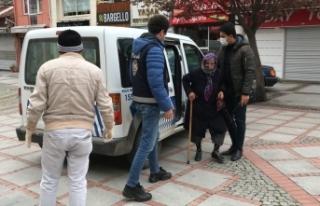 """""""Saniye teyze"""" emekli maaşını polis ekipleriyle..."""