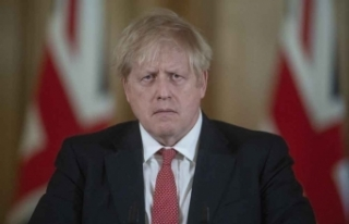 İngiltere Başbakanı Johnson kendisini karantinaya...