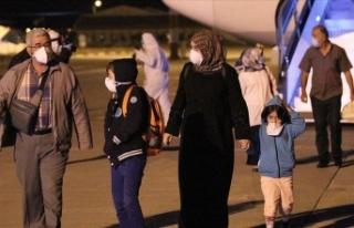 Mali ve Nijer'den getirilen 151 Türk vatandaşı...