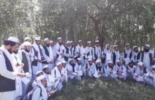 Afganistan'da Taliban, 53 Afgan askerini serbest...