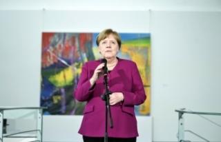 """Almanya Başbakanı Merkel'den """"Kurallara uyun""""..."""