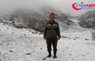 Antalya'nın yüksek kesimlerinde kar yağışı...