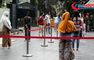 Endonezya'da Kovid-19 vaka sayısı 14 bini aştı