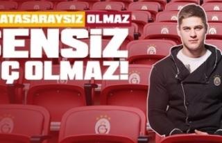 Galatasaray, taraftarların fotoğraflarını tribüne...