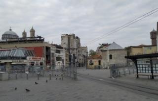 Giriş çıkışları kapatılan Taksim'de yoğun...