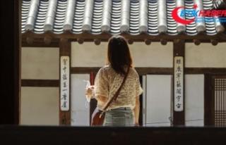 Güney Kore'de okullar kademeli olarak yeniden...