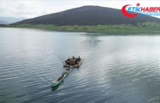 Mada Adası sakini Yörükler kayıklarla göçüyor