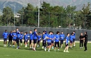 Erzurumspor'da bir futbolcunun daha Kovid-19...