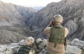Pençe-Kaplan Operasyonu kapsamında komandolar Haftanin'de...