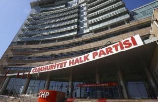 CHP'de ertelenen Kadın Kolları Kurultayı 11...