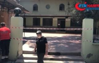 Depremde hasar gören cami ibadete kapatıldı