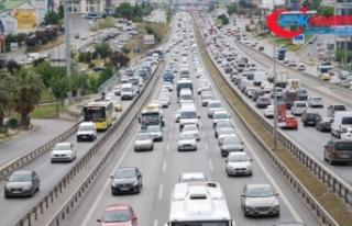 İstanbul'da bazı noktalarda trafik yoğunluğu...
