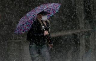 İstanbul'da aralıklı olarak yağış etkili...