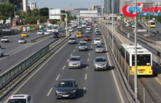 İstanbul'da yaya ve araç trafiği hareketliliği