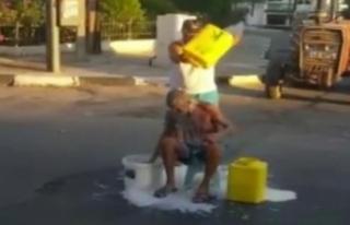 """KKTC'de """"süt banyolu"""" eylem"""