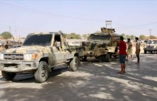 Libya ordusu Sirte'nin batısındaki Vişke beldesinde...