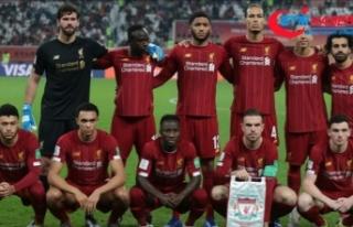 Liverpool 30 yıllık şampiyonluk özlemini rekorlarla...