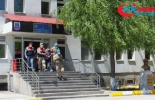 Özel bir bankayı 5 milyon lira zarara uğratan 53...