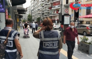 Samsun'da 'maske takın' diye uyaran polise...