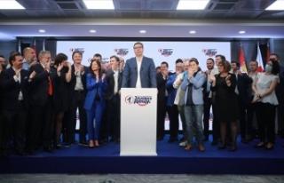 Sırbistan'daki seçimde Cumhurbaşkanı Vucic'in...