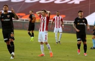 Sivasspor zirve yarışında yara aldı