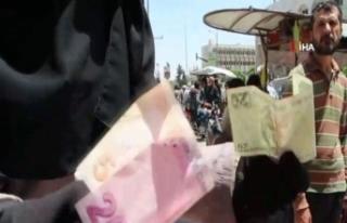 Suriyeliler Türk Lirası'na yöneliyor