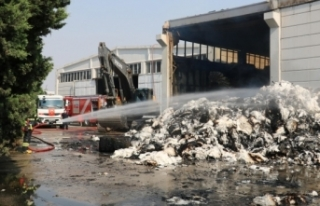 Tekstil fabrikasındaki yangının boyutu gün ağarınca...