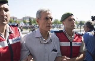 Akın Öztürk'ün emir astsubayına FETÖ üyeliğinden...