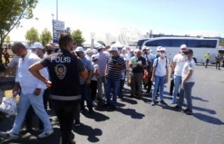 Ayasofya doldu, vatandaşlar Yenikapı'ya akın...