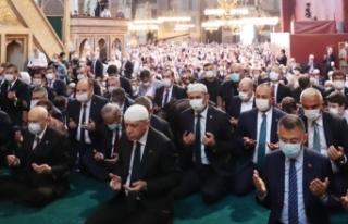 Bakan Çavuşoğlu'ndan Ayasofya paylaşımı