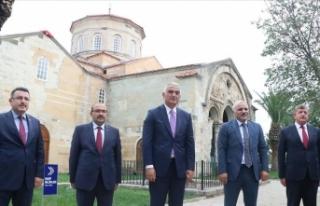 Bakan Ersoy Trabzon'daki Ayasofya Camisi'nde...