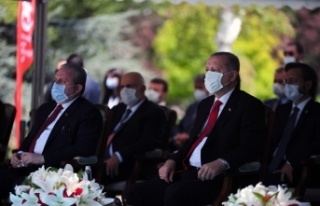 Cumhurbaşkanı Erdoğan Meclis'te düzenlenen 15...