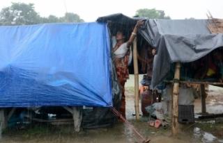 Endonezya'daki sel felaketinde ölü sayısı 38'e...